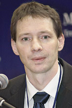 Директор сборочного комплекса «Мерседес-Бенц Тракс Восток» А. Бензе.