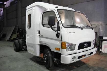 Автомобиль Hyundai-78 с новой двухрядной 7-местной кабиной
