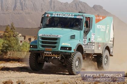 Гоночная команда De Rooy выбирает капотный IVECO Trakker